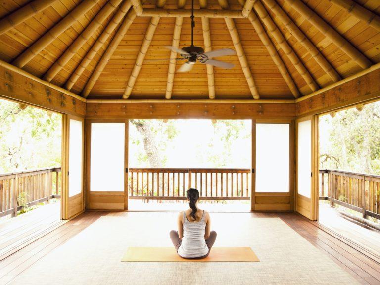 yoga wellness retreat qld queensland meditation